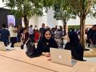Apple Store opens in Dubai