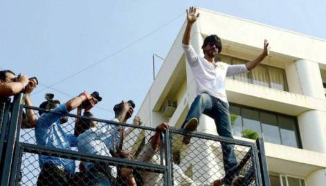 King Khan celebrates 50th in style