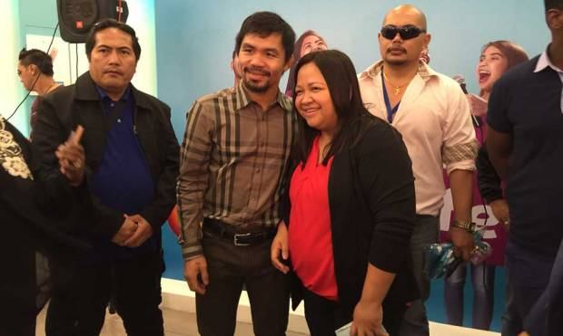 Fans queue up for Pacman 'selfie' at Dubai Mall