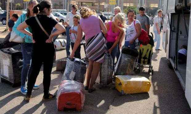 Tourist pullout continues from Egypt