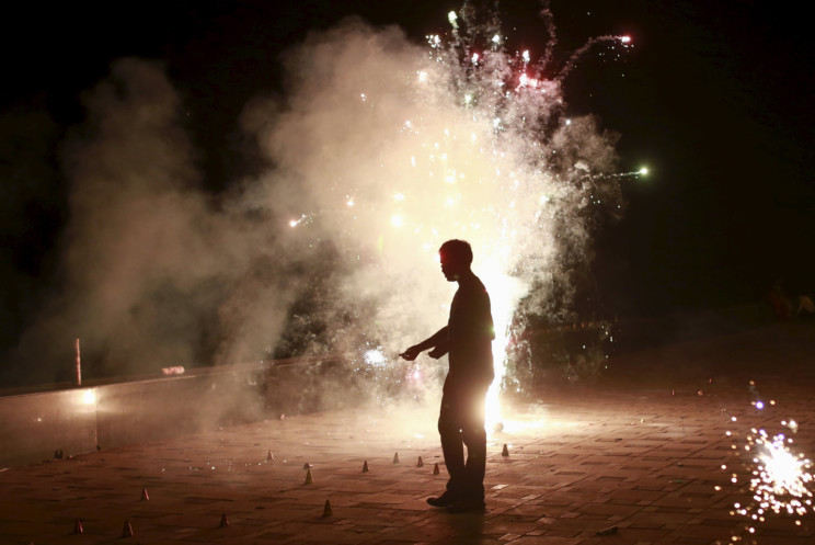 pollution caused by diwali Festival of lights becomes festival of smoke and noise by: keyur seta the fact that diwali is nearing was felt yesterday not because of the excitement for the festival but due to the irritation in breathing caused by the smoke that erupted from the firecrackers.