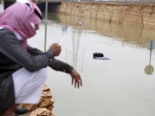Heavy rain brings Gulf cities to standstill