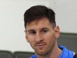 Lawyer wants Messi in Dubai Court