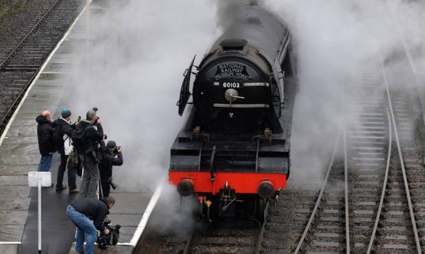Steam icon Flying Scotsman back on track