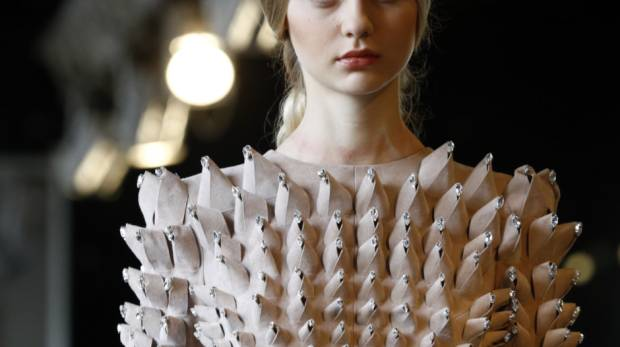 Paris haute couture chanel gives the world eco couture for Haute culture