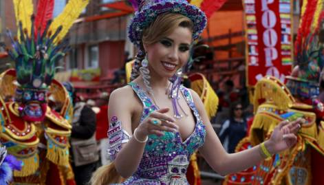 Thousands take part in Carnival of Oruro