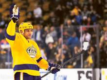 Lucic scores in Boston return, Kings rout Bruins