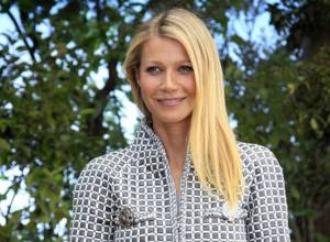 Gwyneth Paltrow gets stung by bees