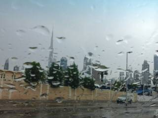Morning rain causes traffic congestions in UAE