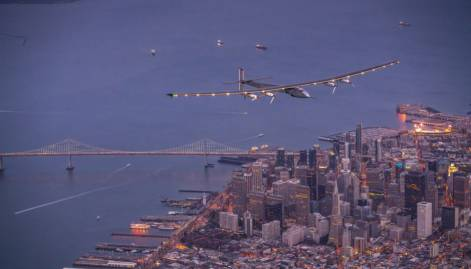 Solar Impulse 2 lands in California