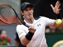 Murray dominates Simon to reach Madrid quarters