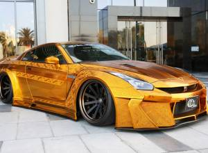 $1m gold Godzilla car in Dubai