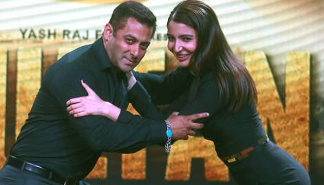 Salman & Anushka shine at Sultan trailer launch