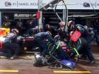 Red Bull apologises to Ricciardo after blunder