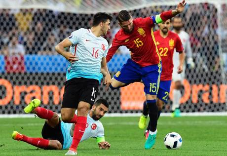 Spain cruise through as they dominate Turkey