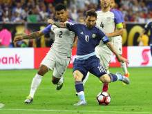 Record-breaker Messi fires Argentina into final