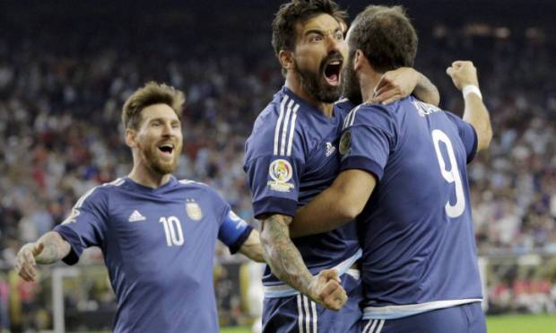 Pictures: Argentina beat US to enter Copa final