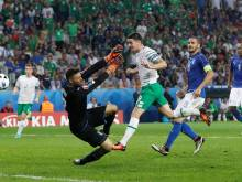 Ireland's resilience earns late win over Italy