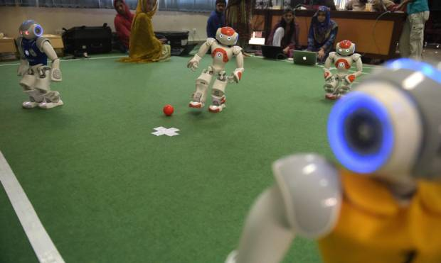 Pakistani roboteers hunt global soccer glory