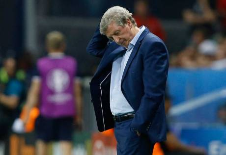 England's Hodgson quits after Iceland defeat