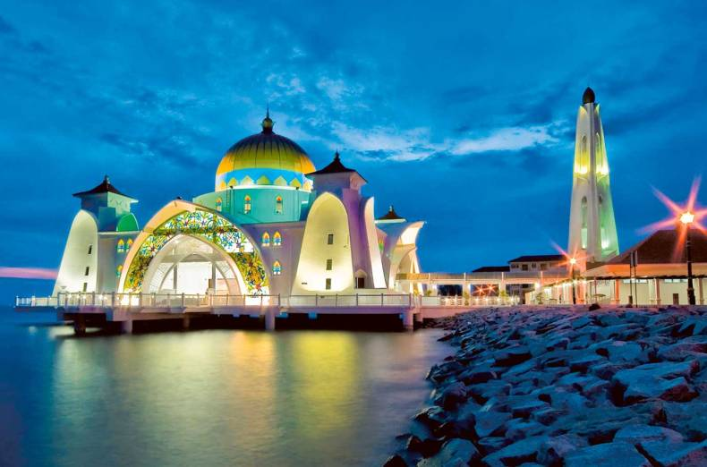 malacca-straits-mosque