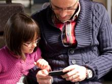 Kids addicted to tech? It's all Dad's fault