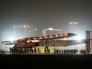 Solar Impulse 2 lands in Abu Dhabi