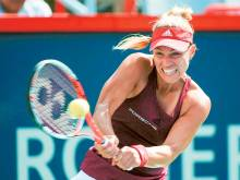 Kerber, Halep set up Wimbledon rematch