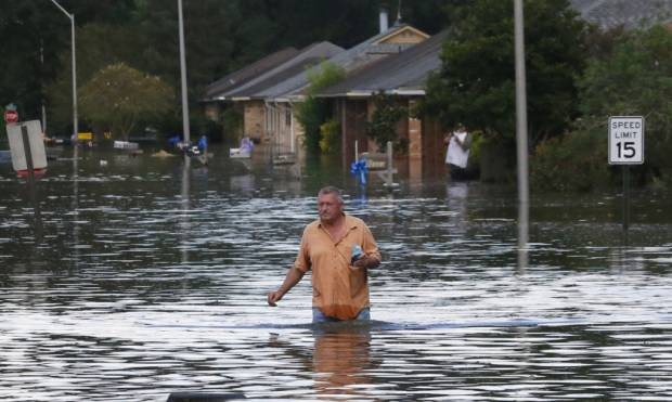Pictures: Louisiana struggles with flooding