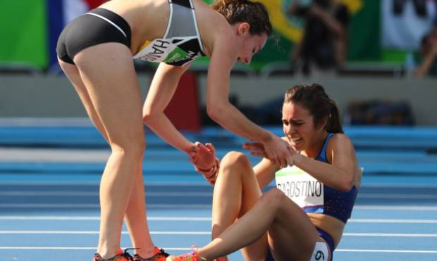 Runners show Olympic spirit after crash