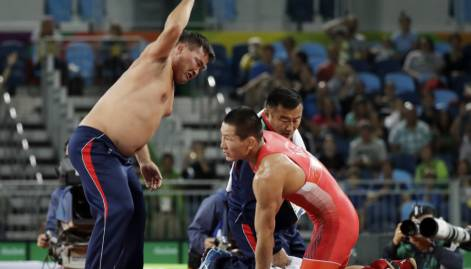 Mongolians strip off over bronze medal defeat
