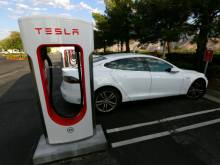 Speedy new Tesla boasts range of almost 500km