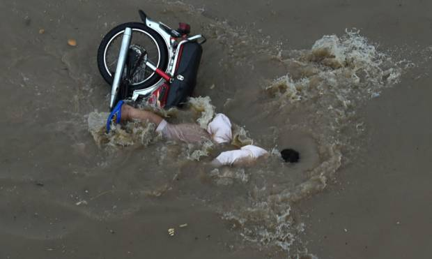 Floods disrupt life in Lahore