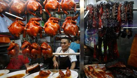 In Pictures: Eating street in Singapore