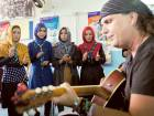 American guitarist teaches music in Kabul