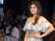 LFW: Payal Singh merges tradition with modernity