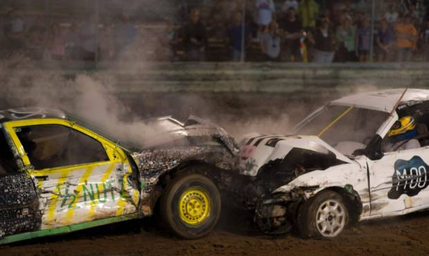 In Pictures: cars pulverizing cars for sport