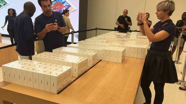 At the Apple store in Mall of the Emirates on September 17, 2016