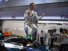Rosberg wins Singapore GP, reclaims F1 lead