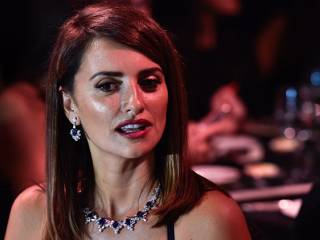 Hollywood star Penélope Cruz dazzles in Dubai