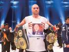 Ex-heavyweight champion Fury's licence suspended