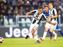 Dybala double sends Juve clear of the pack