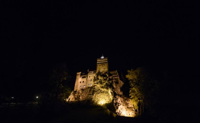 copy-of-travel-romania-dracula-s-castle-jpeg-5b5d2