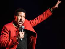 Lionel Richie has Abu Dhabi dancing with hits