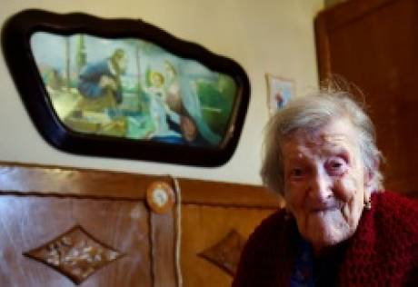 Last person alive in 1800s turns 117