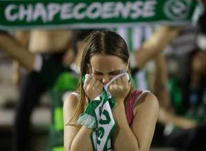 Brazil mourns Chapecoense plane crash victims