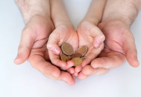 4 Financial gift ideas for your children