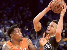 Curry leads Warriors back to winning ways