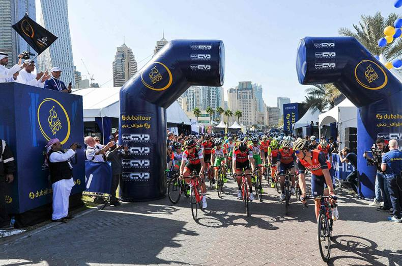 cyclists-take-off-from-the-start-point-of-the-nakheel-stage-1-during-the-dubai-tour-2017
