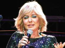 Iran's Googoosh grounded in London after US ban